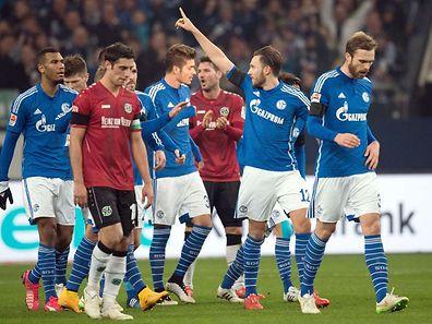 Marco Höger bejubelt seinen Siegtreffer.
