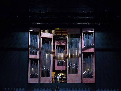 Reportage sur l'entretien de l'orgue de la philharmonie au Kirchberg, Luxembourg, le 20 Aout 2015. Photo: Chris Karaba