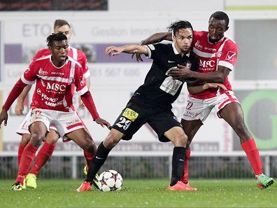 Antonio Luisi (m.) erzielte für Differdingen den zwischenzeitlichen Ausgleich zum 1:1.