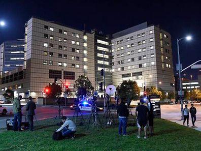 Die internationale Presse belagerte das Krankenhaus, in dem Harrison Ford behandelt wird.