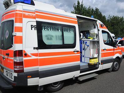 Der Passant wurde mit leichten Verletzungen ins Krankenhaus gebracht.