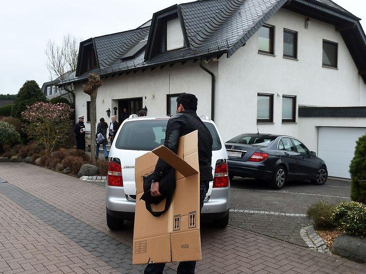 A polícia alemã está a proceder a buscas na casa do piloto da Germanwings