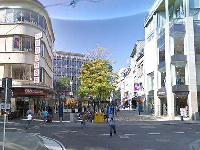 Blick in die Grand-Rue - die Qualität der Bilder ist beachtlich.