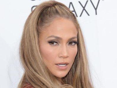 Die US-Sängerin offenbart zwar seelische Missstände in früheren Beziehungen. Wen konkret die Vorwürfe betreffen, bleibt jedoch der Fantasie der Leser überlassen.