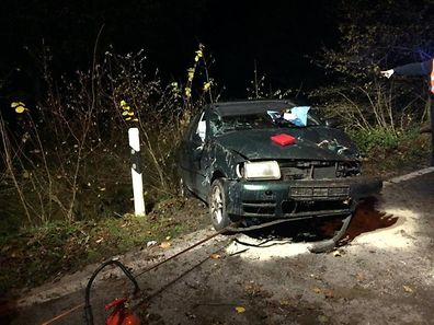 La conductrice n'a eu que de légères blessures.