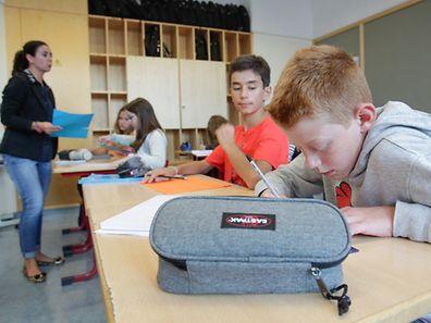Die aktuelle Schulpolitik schadet dem Image der öffentlichen Schule und verschlechtert das ohnehin angeknackste Schulklima, sagt die Lehrergewerkschaft SEW.