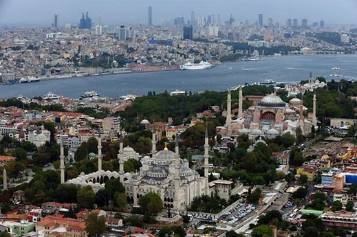 The Luxembourg delegation will visit the famous Basilica of St Sophia and the Blue Mosque on Friday in Bosphorus.