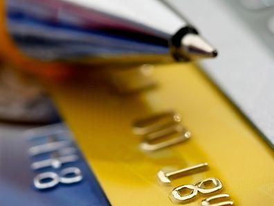 Künftig sollen die Gebühren bei Kreditkarten höchstens 0,3 Prozent des Kaufpreises betragen dürfen, bei EC- und anderen Bankkarten 0,2 Prozent.