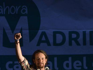 """Der Parteichef der Linkspartei Podemos, Pablo Iglesias, spricht vom """"Beginn eines politischen Wandels""""."""