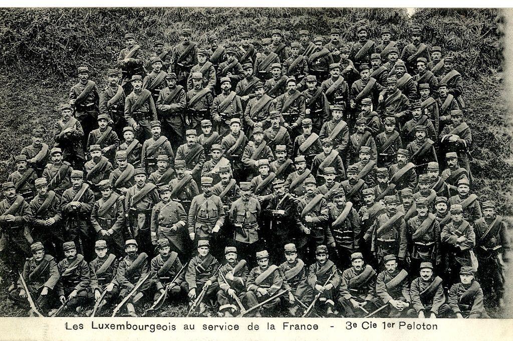 """Viele junge Luxemburger engagierten sich in der französischen """"Légion étrangère"""", wie diese Postkarte aus dem Jahre 1915 beweist."""