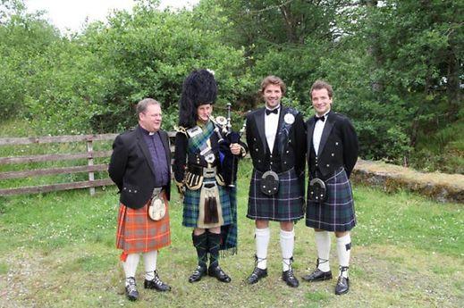 Die Hochzeit fand am 3. Juli in Kilberry in Schottland statt.