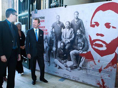 Le grand-duc Henri sur les lieux de l'exposition consacrée à Nelson Mandela