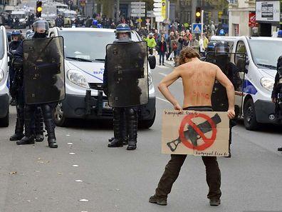 Am Samstag kam es erneut zu Zusammenstößen zwischen Demonstranten und Polizisten. In Nantes und in Toulouse wurden nach Polizeiangaben 26 Personen vorläufig festgenommen.