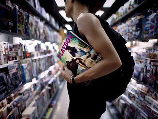 """In Europa unterliegt der Playboy nicht der """"Textil-Offensive""""."""