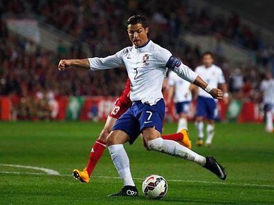 Cristiano Ronaldo voltou a oferecer a vitória a Portugal