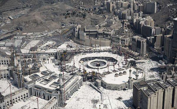 Une vue aérienne de la Grande Mosquée et du Kaaba, La Mecque, septembre 2015.