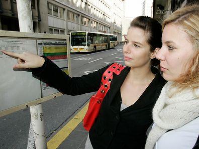 """Studenten werden künftig zum Benutzen des öffentlichen Transportes eine """"Jumboskaart"""" oder ein Semesterticket vorweisen müssen."""