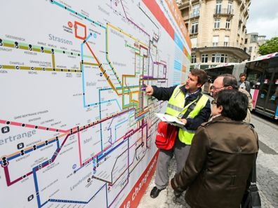 """Getting to grips with the new """"spaghetti monster"""" bus map is not easy for bus users in Luxembourg City"""