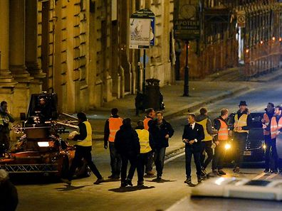 Im edlen Zwirn: Daniel Craig (Mitte, rechts), bei den Dreharbeiten zum 24. James-Bond-Abenteuer in Rom.