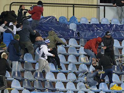 Rivalisierende Fans gerieten in Bratislava aneinander.