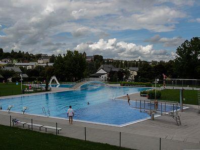 Eine wetter-bedingte Flaute herrschte im August in den Freibädern – im Bild das Schwimmbadin Remich – im Großherzogtum.