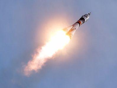 Alors que les vaisseaux Soyouz mettent habituellement six heures pour s'amarrer à l'ISS, deux jours seront cette fois nécessaires aux trois scientifiques pour rejoindre la Station spatiale.