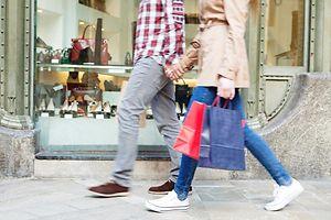 Shopping, Paar, Einkaufstour, Gesch�ft (Foto: Shutterstock)