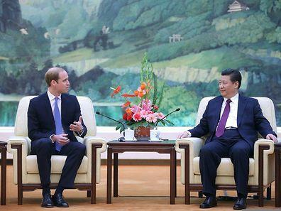 Prinz William (l.) neben dem chinesischen Präsidenten Xi Jinping.