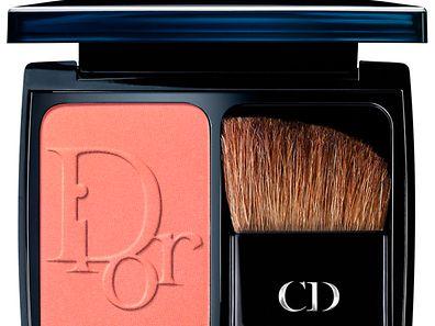 Zaubert einen schönen Apricot-Ton auf die Wangen: Diorblush by Dior; Cocktail Peach.