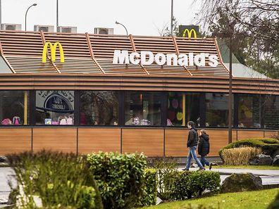 McDonald's soll durch entsprechende Deals mit Luxemburg in der Zeit von 2009 bis 2013 rund 1 Milliarde Euro Steuern gespart haben. (Foto: AFP)