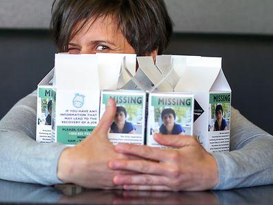Laura Mazzucato verteilt ihr Profil auf Milchtüten.