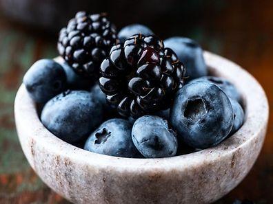 Les myrtilles figurent parmi les huit nutriments essentiels à privilégier pour lutter contre les effets du vieillissement cérébral.