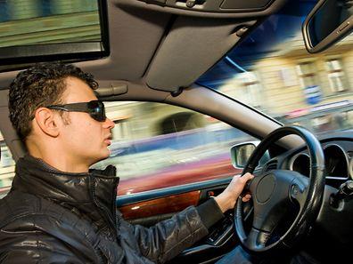 Le jeune conducteur était au volant de la BMW de son père qui n'était pas encore totalement assurée.