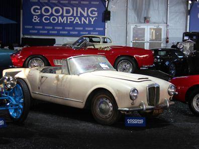 Patina darf auch sein:Nicht alle Oldtimer sehen bei Auktionen aus wie aus dem Ei gepellt - dieser Lancia braucht definitiv etwas Zuwendung.
