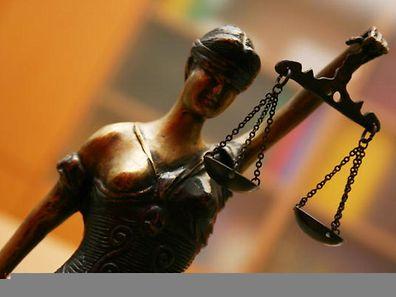 Justitia ist die Personifikation der Gerechtigkeit in der römischen Mythologie.