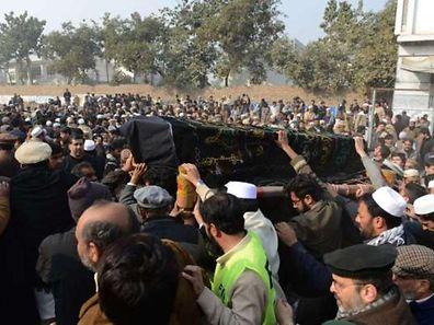 141 morts et 124 blessés. C'est le bilan de l'attaque terroriste la plus meurtrière de l'histoire du Pakistan.