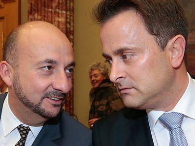 Premier Xavier Bettel und Vizepremier Etienne Schneider dürften sich über die Umfrageergebnisse nicht wirklich freuen.