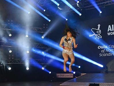 "Nanami ""Seven Seas"" Nagura ist die neue Luftgitarren-Weltmeisterin."