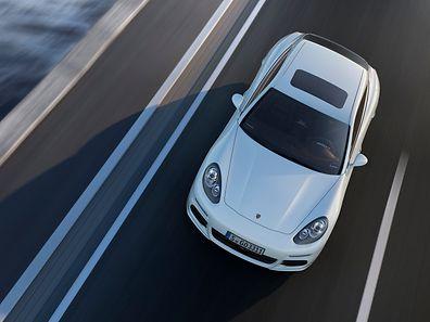 Porsche hat mit dem Panamera ein Plug-in-Hybrid-Modell auf den Markt gebracht.