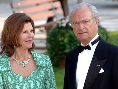 Sweden's King Carl XVI Gustav (r.) with wife Queen Silvia