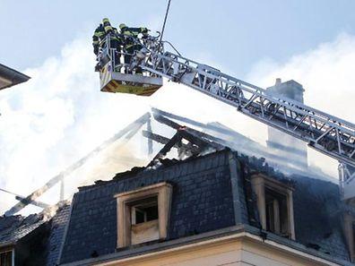 Desconhecem-se para já as causas do incêndio no telhado de uma casa na rue Gaston Diderich, na capital luxemburguesa