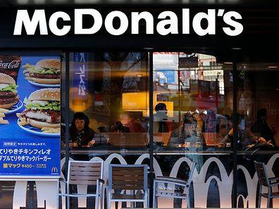 Une enseigne McDonald's à Tokyo le 7 janvier 2015