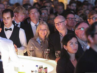 """Rund 300 Gäste - Anzeigenkunden sowie Vertreter aus der PR-Branche - kamen auf Einladung des Luxemburger Worts ins Kulturzentrum """"Schéiss"""" in Belair."""