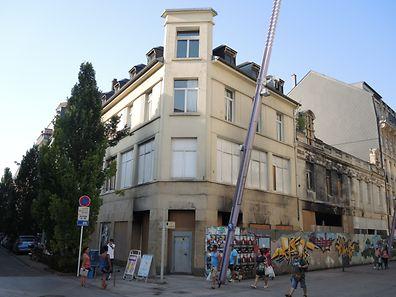 Le Scholesch Eck  est en ruines depuis des années suite à un incendie, rue de l'Alzette en plein centre-ville d'Esch.