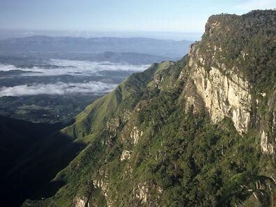 """La falaise de """"World's End"""" (la fin du monde) est la principale attraction de la réserve naturelle des Horton Plains, hauts plateaux dans le centre de l'Ile."""