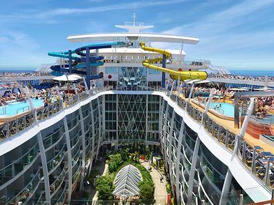 Da dürften sich die Kinder an Bord freuen: Die «Harmony of the Seas» von Royal Caribbean wird mehrstöckige Wasserrutschen an Bord haben.
