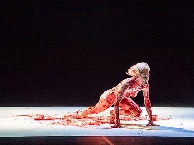 """Sylvia Camardas Choreografie """"Martyr"""" konnte sich unter 600 Bewerbungen einen der 60 Plätze des offiziellen Programms der Tanzmesse sichern."""