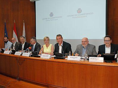 Im Beisein von Beschäftigungsminister Schmit und Staatsekretärin Closener  haben die Vertreter der Fédération des artisans sowie von OGBL und LCGB ein interprofessionelles Abkommen unterzeichnet.