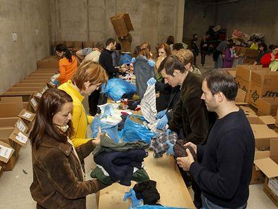 9.10. WO engl / Centre de triage pour les dons de la Croix Rouge Luxembourgeoise / Foto: Guy Jallay