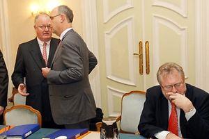 Le président de l'UEL (qui quitte la table) a envoyé une lettre sur les intentions qu'il avait pour discuter lors de la Tripartite manquée